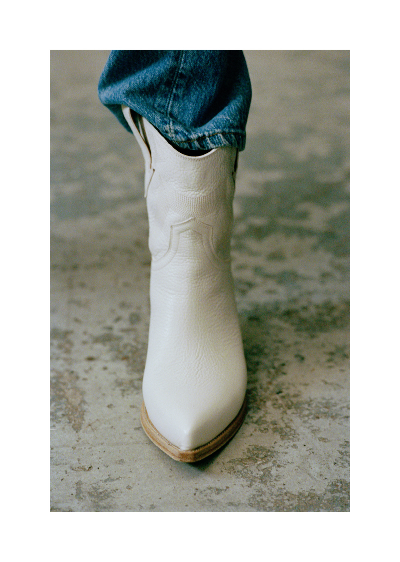 ELISE MID DURANGO BOOTS IN CREAM WHITE LEATHER
