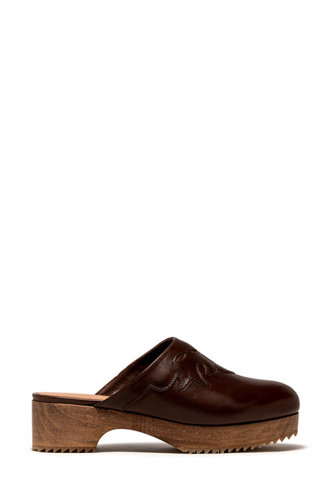 BUTTERO: MARFA CLOG IN NATURAL BROWN LEATHER