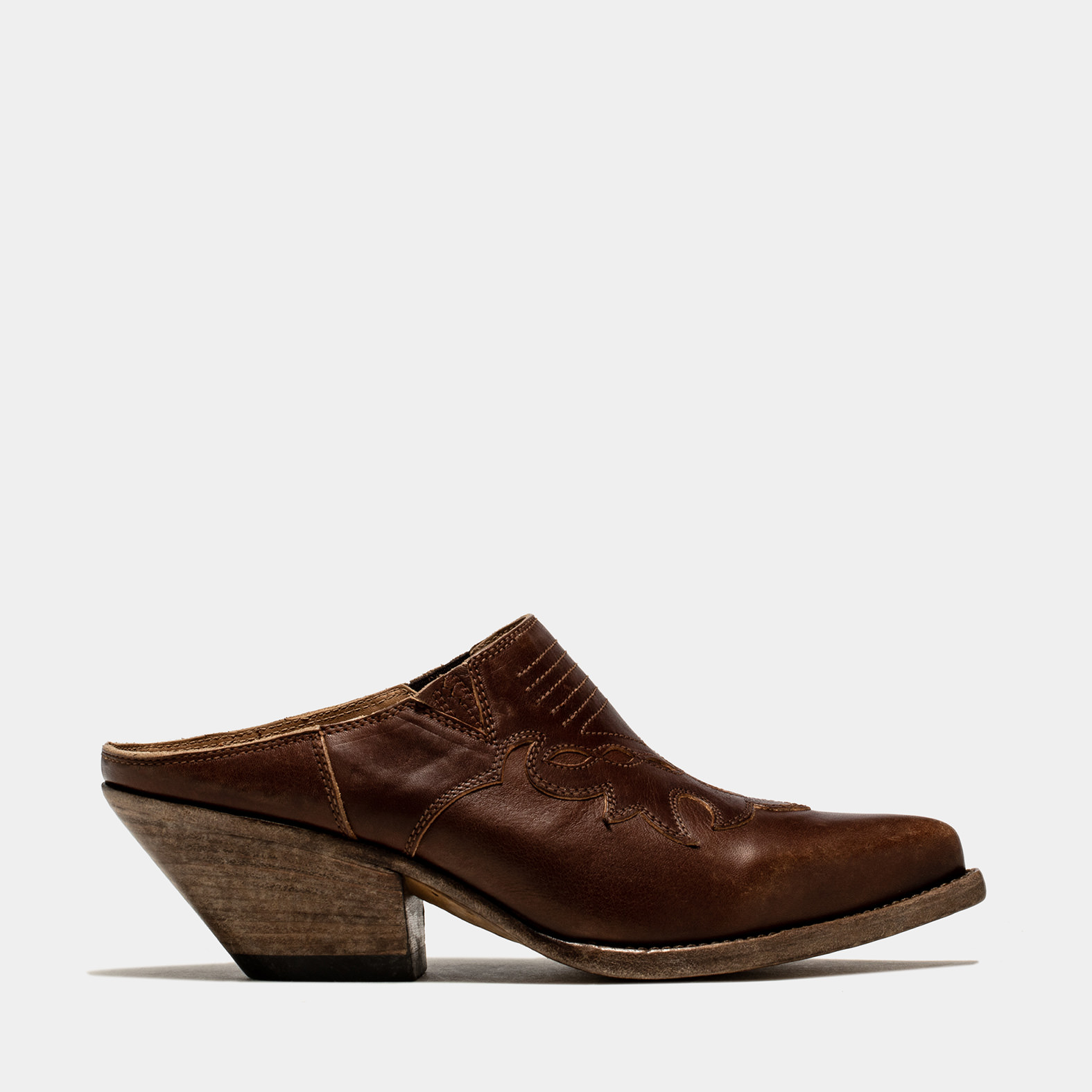 BUTTERO: ELISE CLOG IN DARK BROWN LEATHER