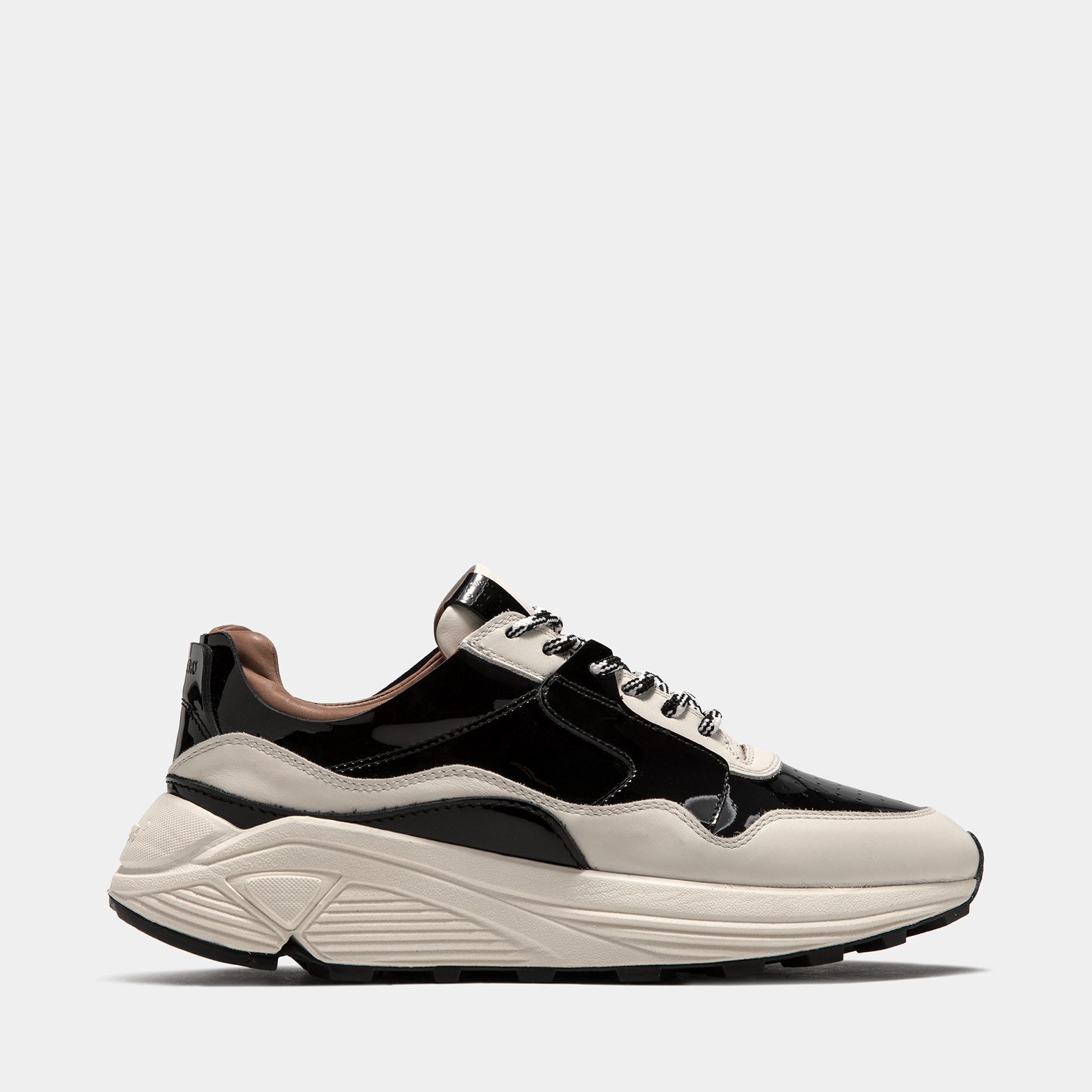 BUTTERO: VINCI SNEAKERS IN WHITE LEATHER WITH BLACK DETAILS