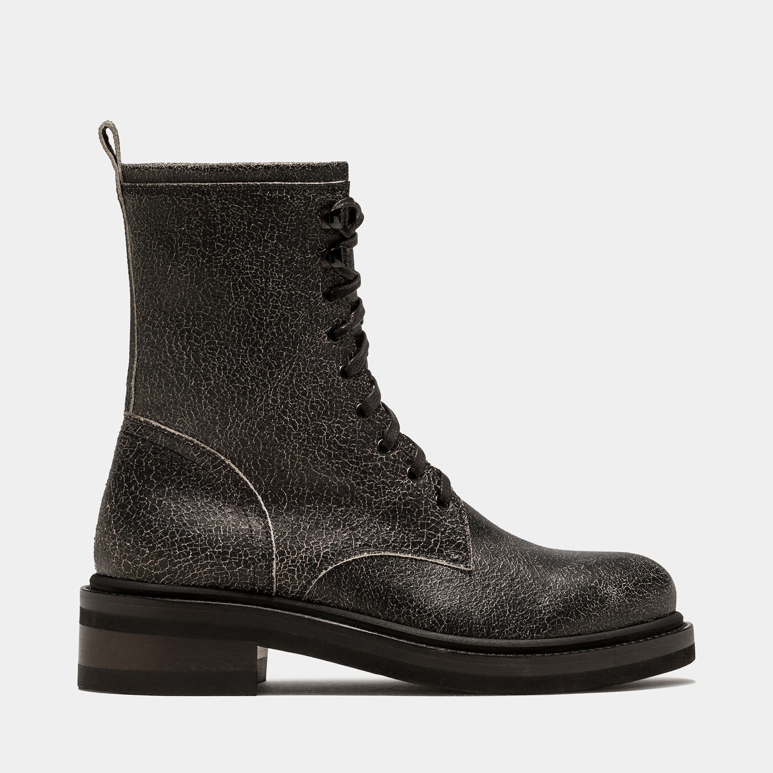 BUTTERO: LOW COMBAT BOOT IN BLACK CRAQUELE LEATHER