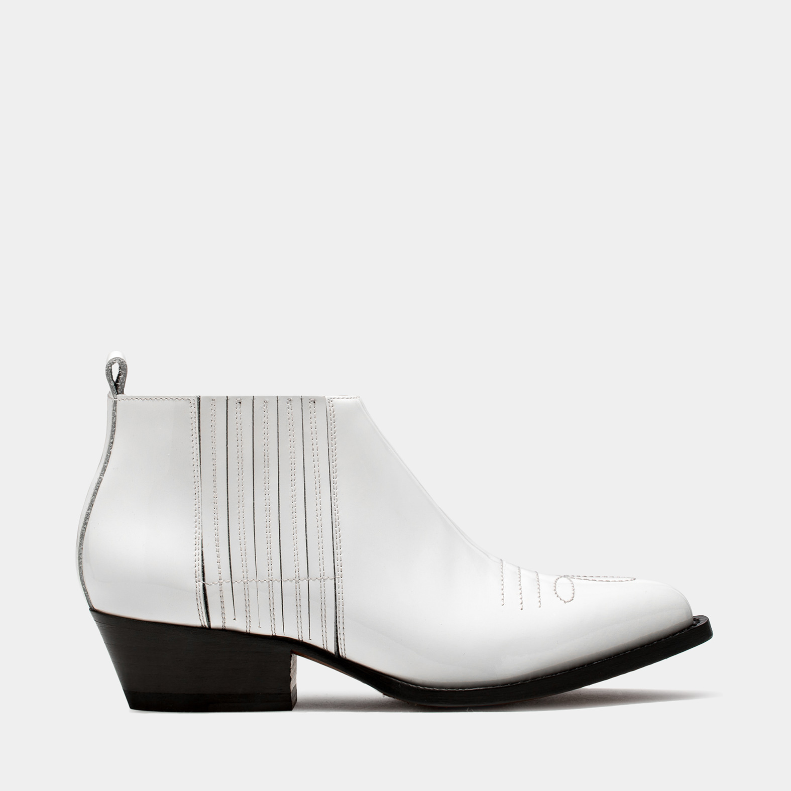 BUTTERO: WHITE VERNICE LEATHER TRES ANKLE BOOTS